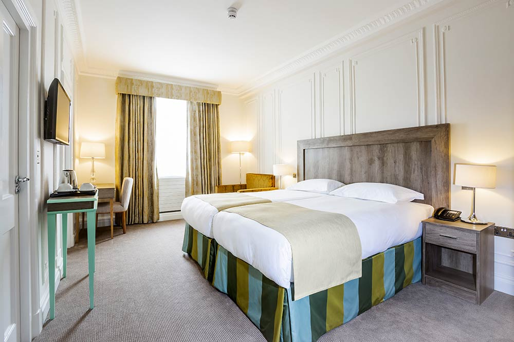 Hotel London Superior Triple Rooms